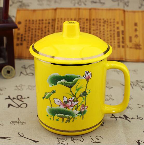 中国帝王黄瓷杯子